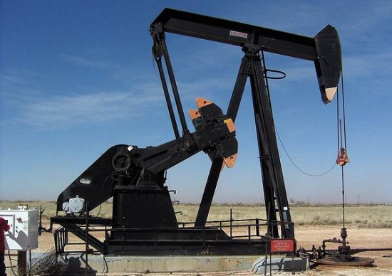 falling oil prices picture